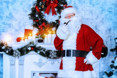 smoking a pipe Santa