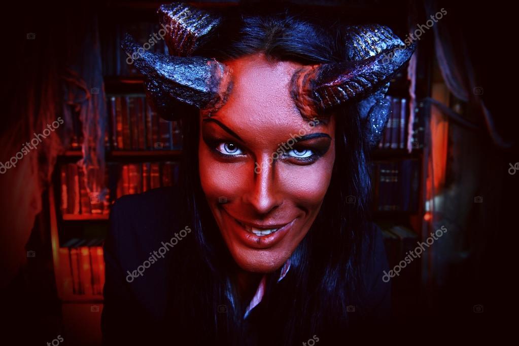 Если вы попали на данную страницу, значит вы желаите скачать данную песню jesus on extasy - nuclear bitch не верь этим ангельским глазам,не верь этой милой улыбке.она дьявол во плоти, а не богиня,она ядерная стерва на android или воспроизвести её online?