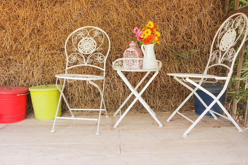 Weißer Stuhl Mit Stroh Hintergrund Stockfoto Sexlim 114182772