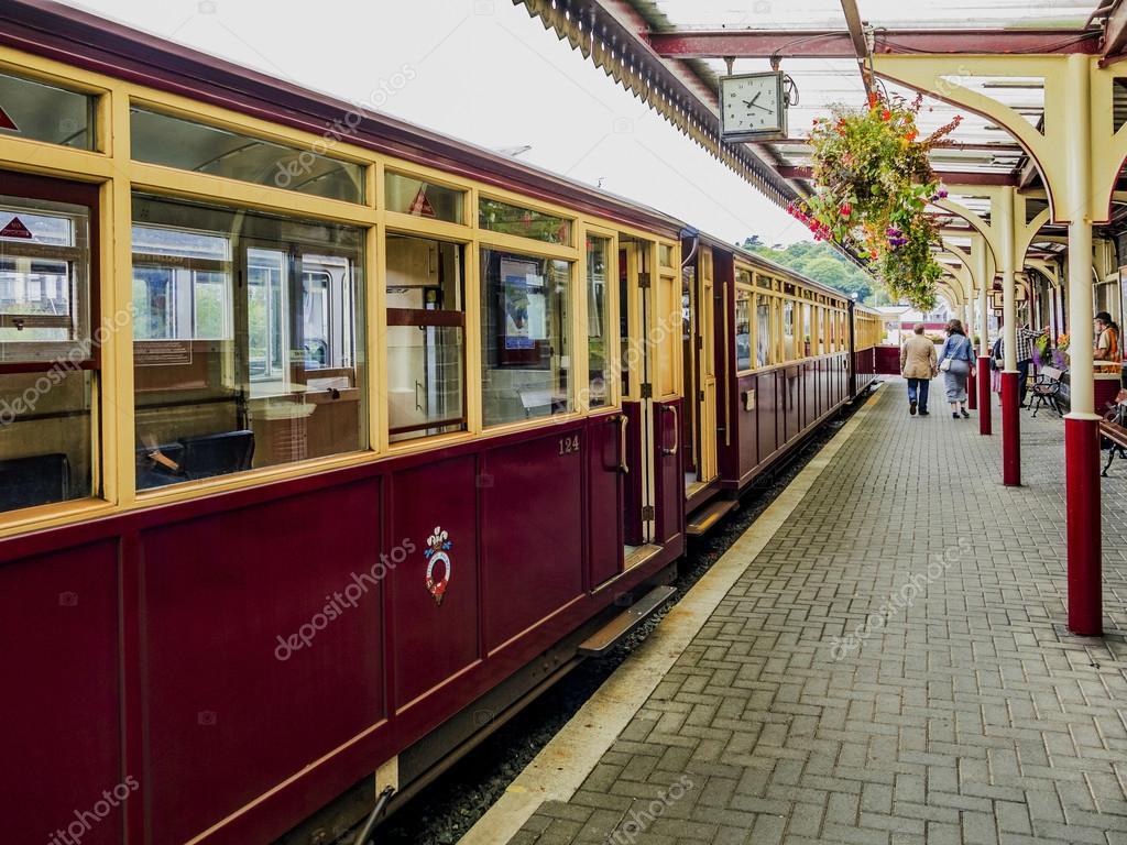 フェスティニオグ鉄道ウェールズ...