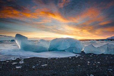 Jokulsarlon ice beach