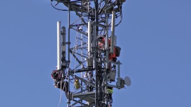 Vysílačem opravy