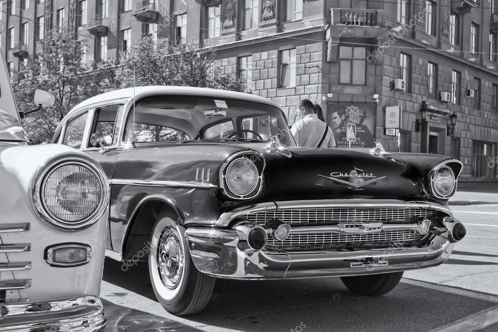 Old Chevrolet on exhibition of vintage cars – Stock