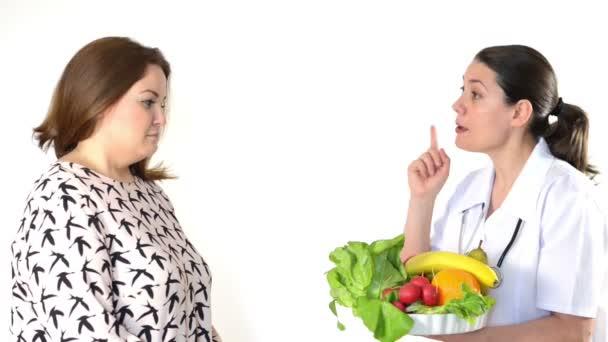 Lékař doporučil dietu tlustá žena