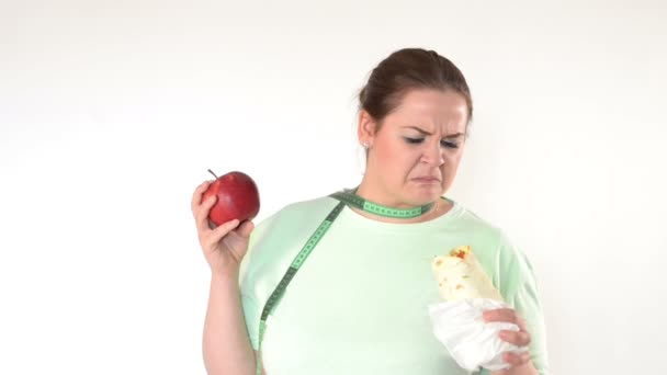 Corpulent woman struggle to eat healthy