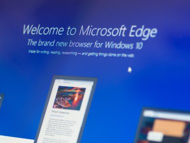 Menu screen of new Windows 10 focussed on Mirosoft Edge icon
