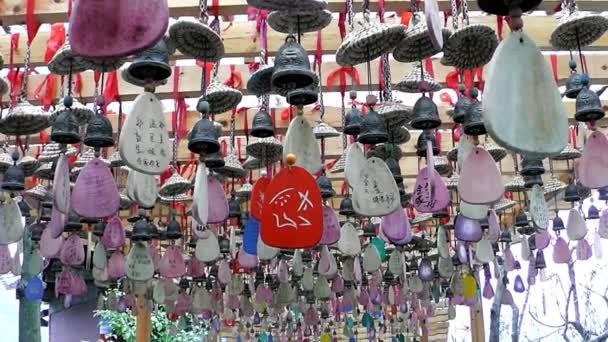 Amuleti in templi taoisti. Zhangjiajie. Cina.