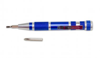 Screwdriver, as a pen, with replaceable tips and separate tip