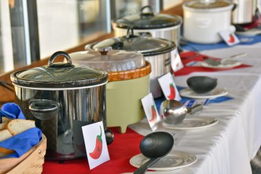 crock pots in chili cook off contest