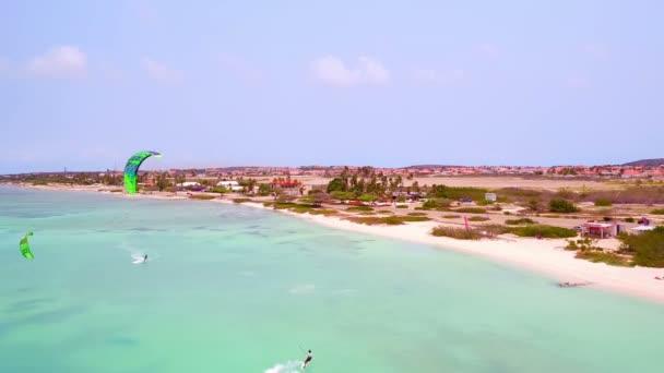Antenna da kite surf allisola di Aruba nei Caraibi