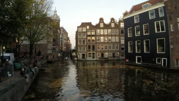 Středověké domy v Amsterdamu Nizozemsko časová prodleva