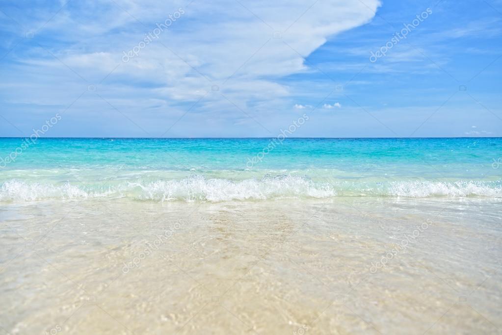 Sfondo mare e spiaggia foto stock yongkiet 91614796 for Immagini sfondo mare