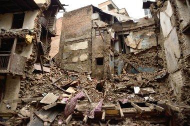 Durbar Meydanı büyük depremden sonra 25 Nisan 2015 zarar bilmecik oldu.