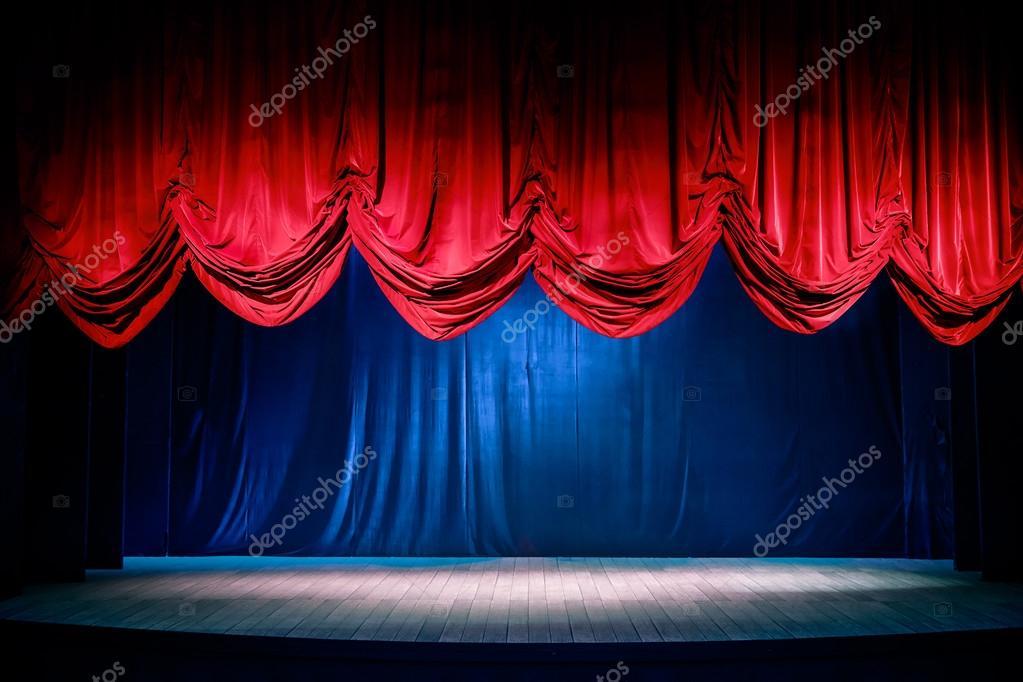 Theater gordijn met dramatische verlichting — Stockfoto © fergregory ...