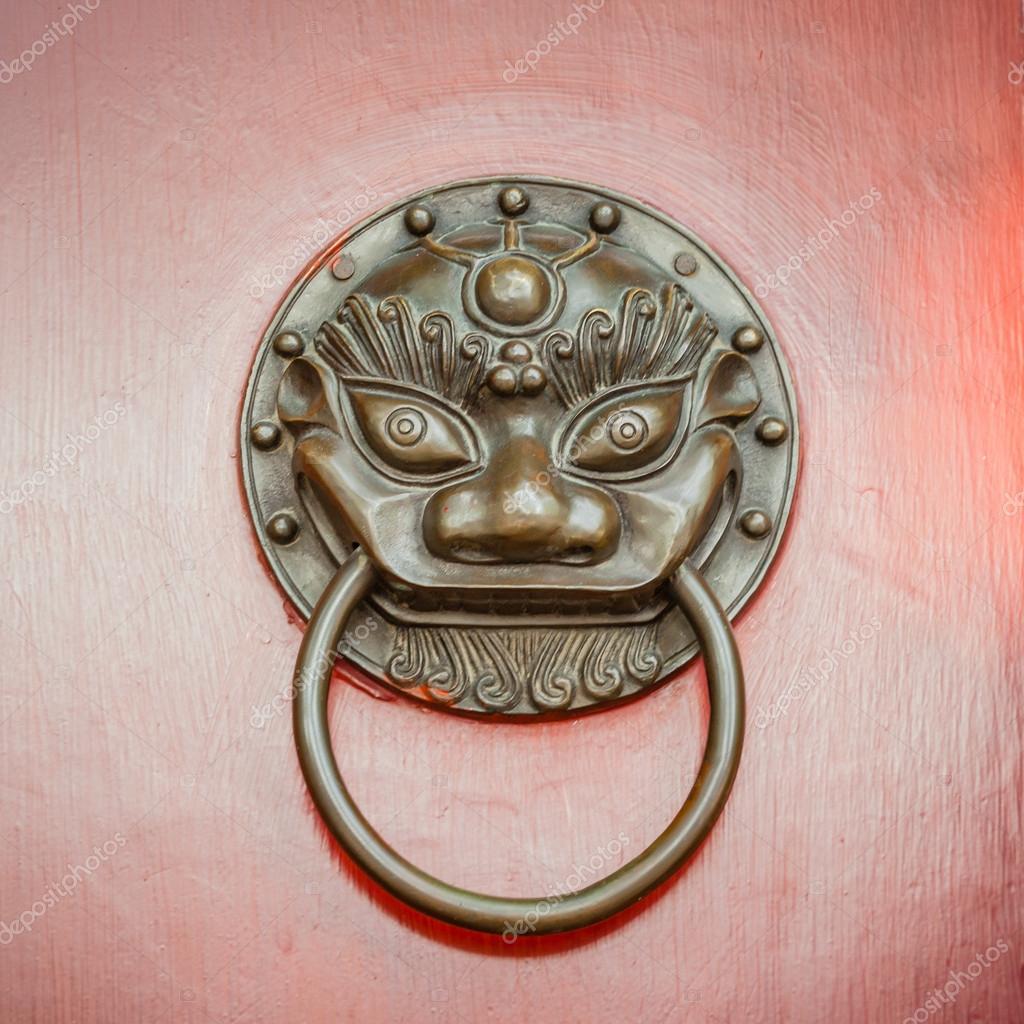Foo Dog or Lion Door Knocker on Beijing Red Door — Stock Photo ...
