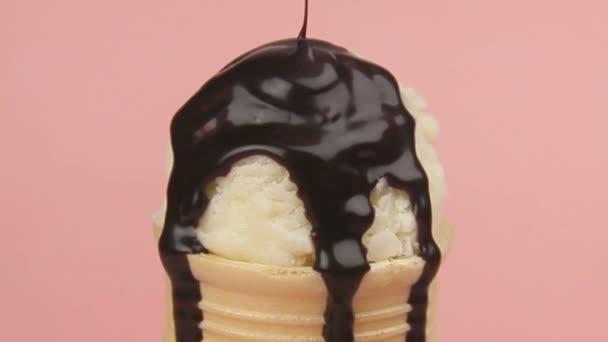 Čokoláda na zmrzlinu