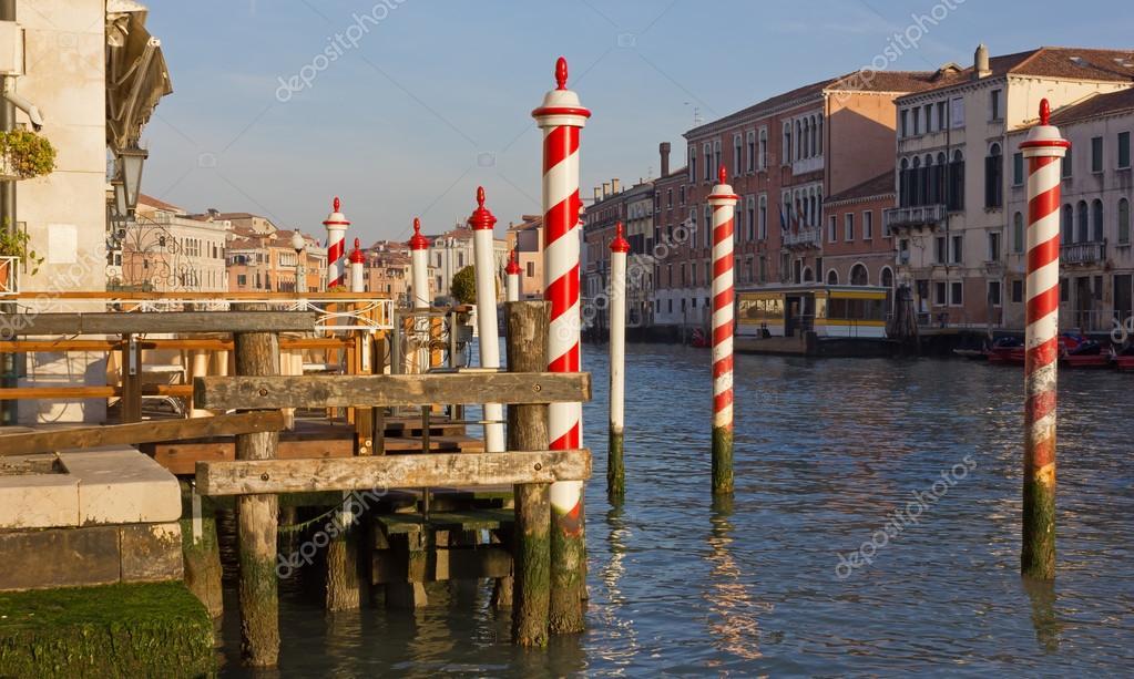 Terrazza sul Canal Grande a Venezia — Foto Stock © emmeci74 #96149430