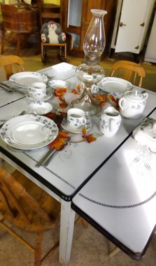 old fashioned kitchen table