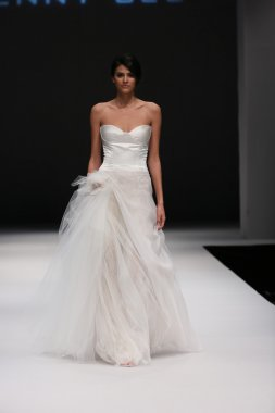 Jenny Lee Fall 2015 Bridal collection show