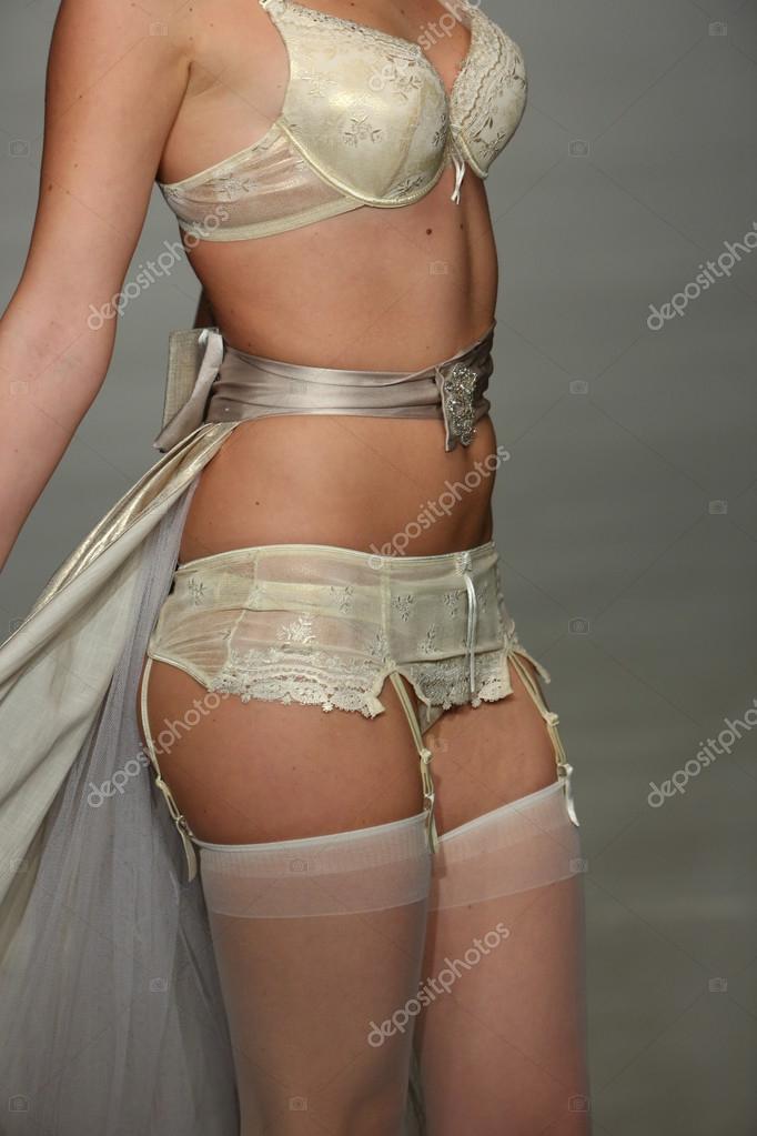 Finale sfilata durante la settimana della moda di Lingerie — Foto ... 59f6c0ca586