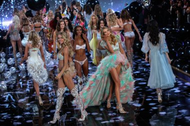 2014 VS Fashion Show