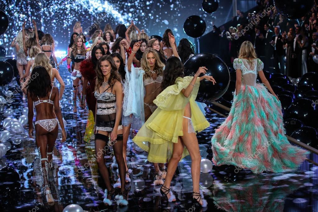 2014 Vs Fashion Show Fotografia De Stock Editorial Fashionstock 60104397