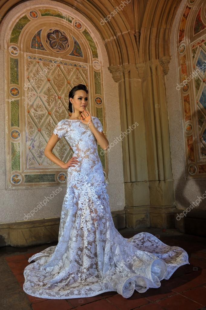 Kalyn Hemphill pose at the Irina Shabayeva Bridal collection