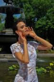 Fotografie Kalyn Hemphill at the Irina Shabayeva SS Bridal collection