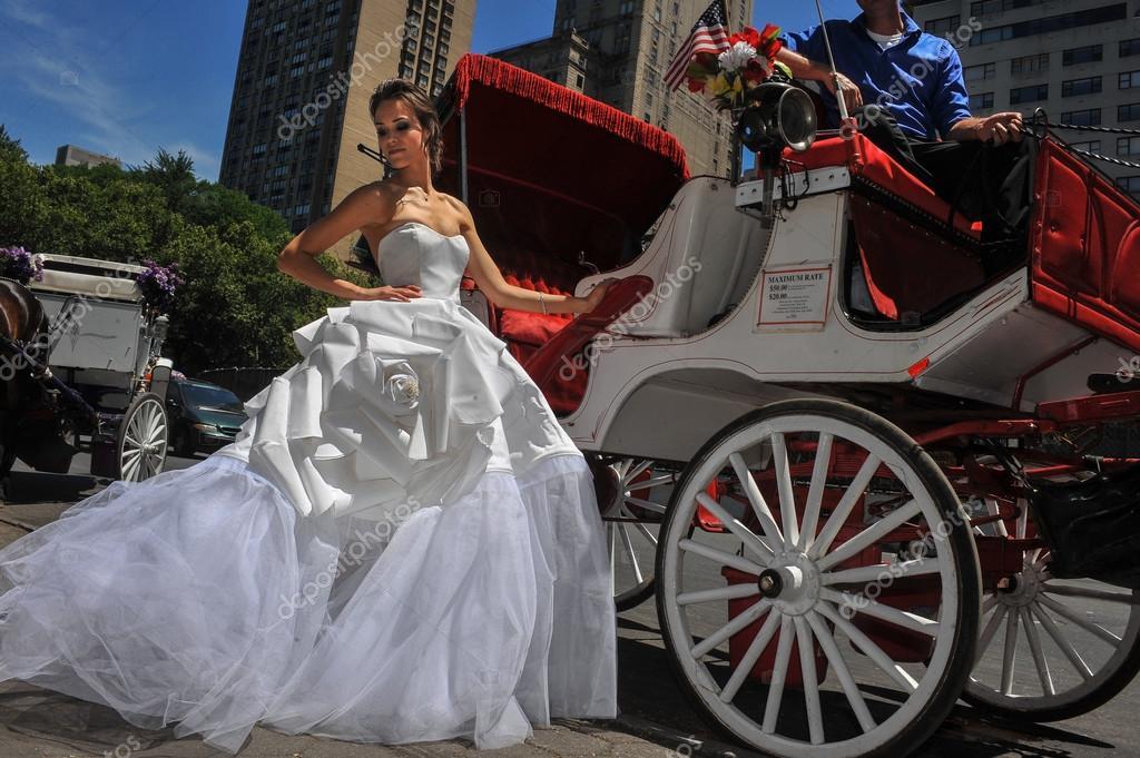 Kalyn Hemphill at the Irina Shabayeva SS 2016 Bridal collection