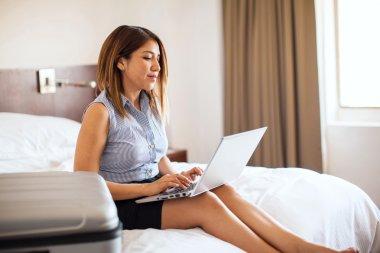 businesswoman using a laptop computer
