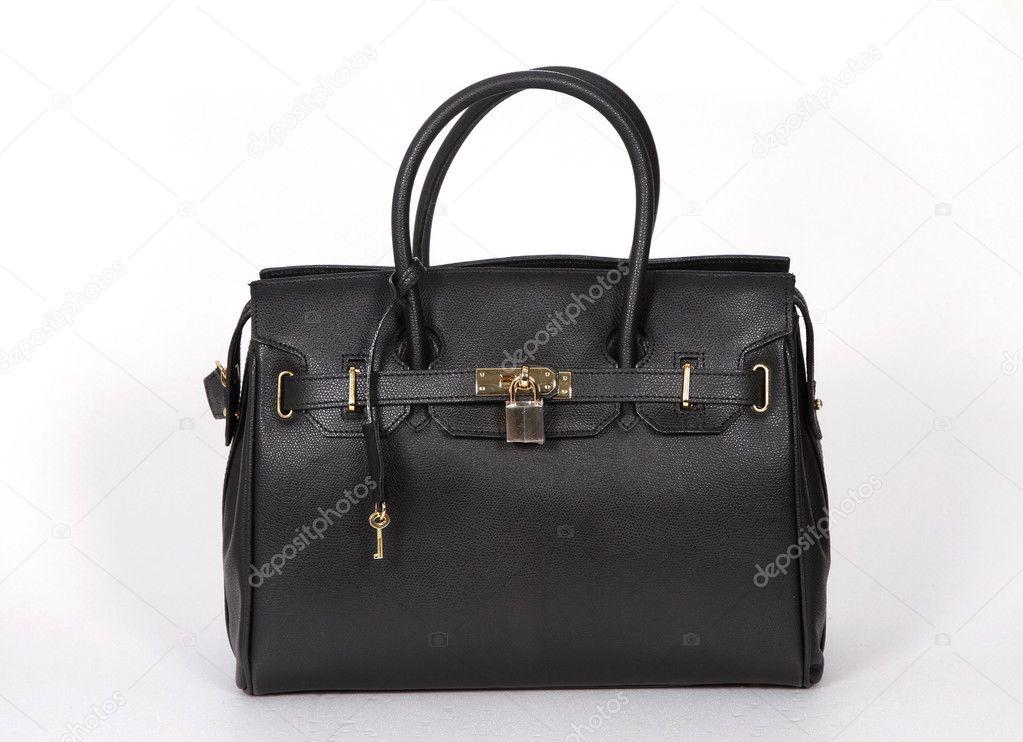 91184afaed Biack γνήσια δερμάτινη τσάντα με χρυσή αλυσίδα που απομονώνονται σε λευκό  φόντο — Εικόνα από ...