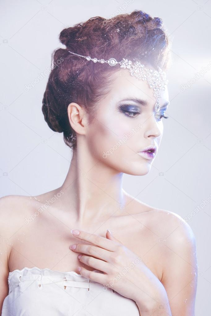 Kobieta Uroda Nad Niebieski Zimowe Tło Kobieta Piękna Zima Królowa