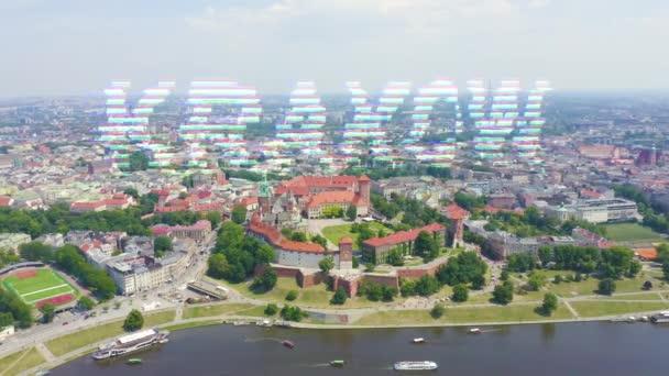 Krakov, Polsko. Wawel Castle. Lodě na řece Visle. Pohled na historické centrum. 4K