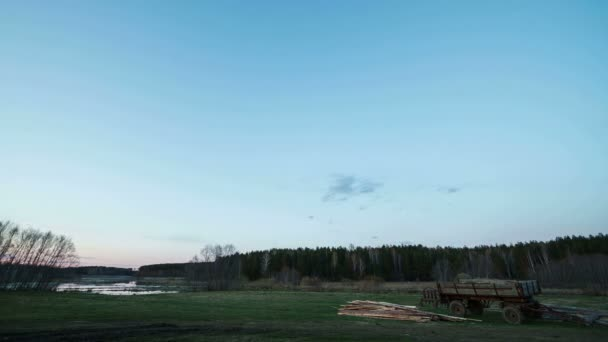 Západ slunce nad poli a mléčné dráhy