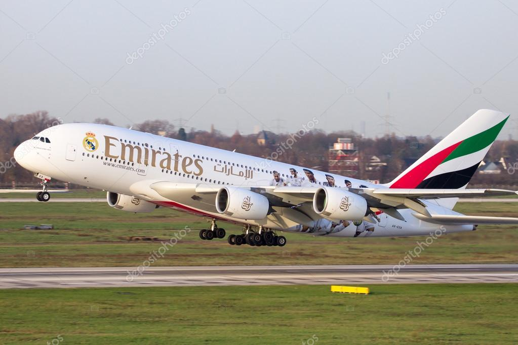 Aereo Privato Real Madrid : Airbus a emirates — foto editorial de stock vdw
