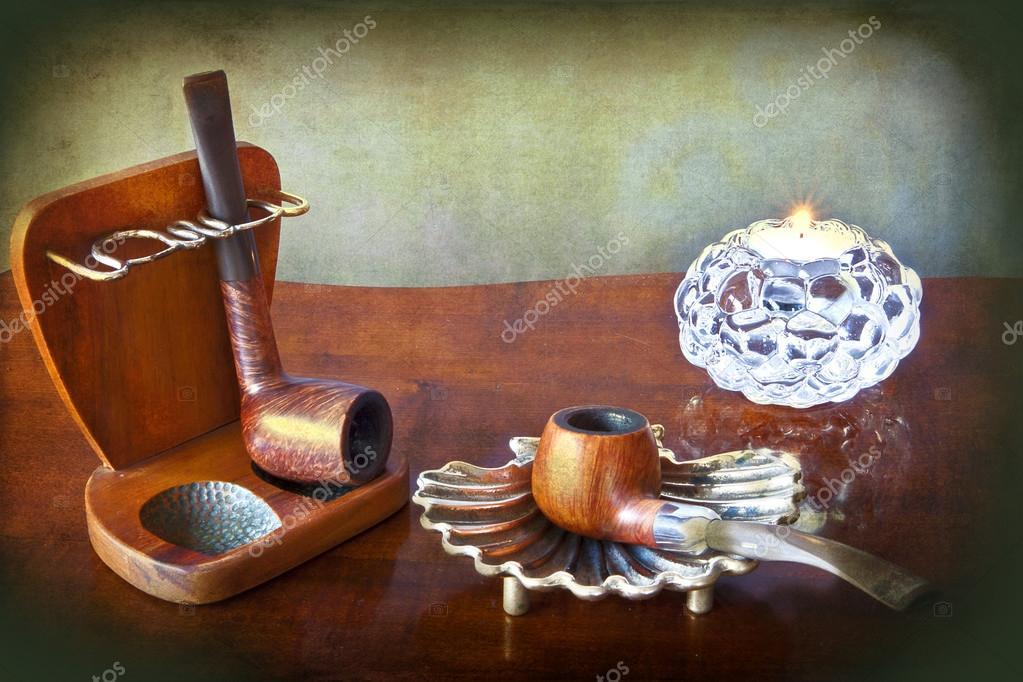 Retro Tabak Keukens : Grunge tabak buizen en kaars u2014 stockfoto © gameover2012 #57471361