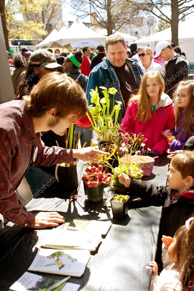 Families Look At Carnivorous Plants Exhibited In Atlanta Science Fair