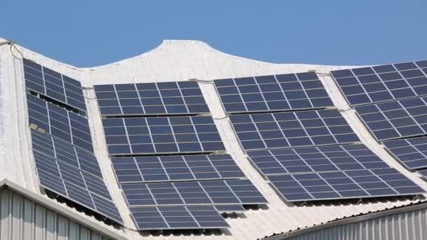Solarzelle auf Dach (Schwenkschuß))