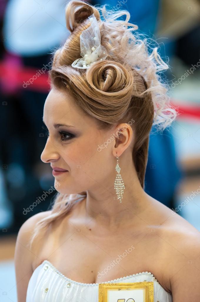 Trends In Der Hochzeit Frisuren Redaktionelles Stockfoto