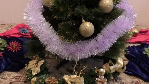 ozdobit vánoční stromeček