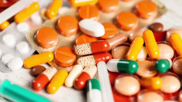 Mnoho tabletky a kapsle v zblízka záběry