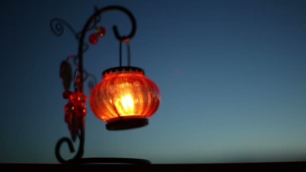 Červená Lucerna se svíčkou