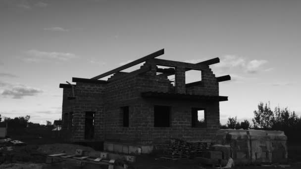An unfinished private house.