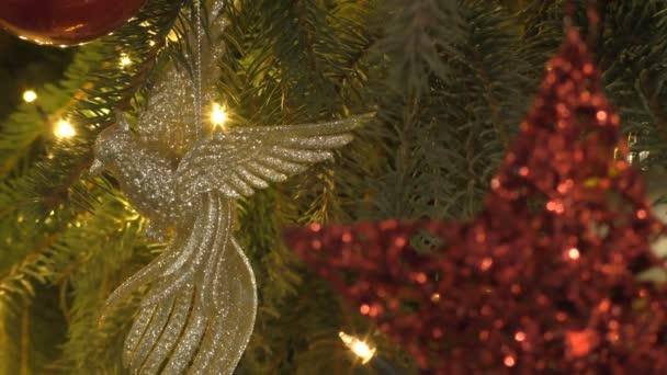 Karácsonyfadíszeket, vörös csillag és arany madár