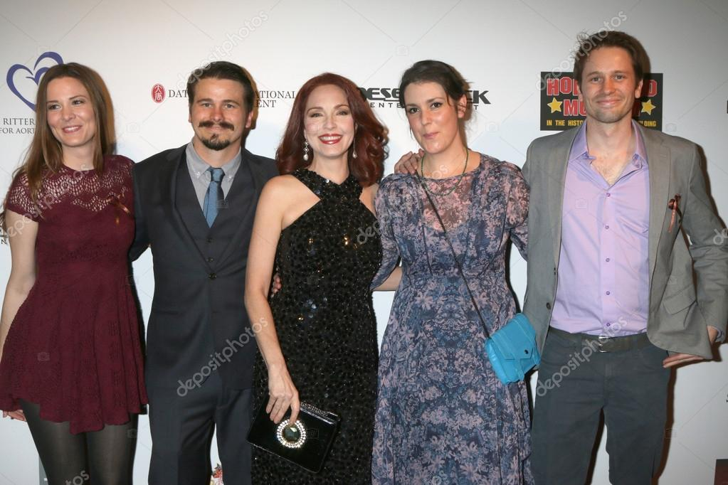 Carly Ritter Jason Ritter Melanie Lynskey Amy Yasbeck Tyler Ritter Stock Editorial Photo C Jean Nelson 102024848 My shoes keep walking back to you. https depositphotos com 102024848 stock photo carly ritter jason ritter melanie html