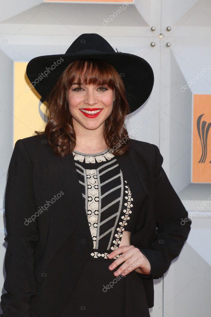 Renee felice smith hips, wendy tiny model