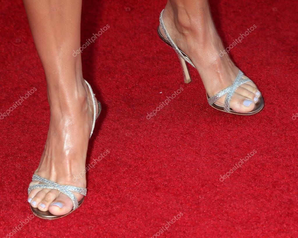 lori loughlin feet