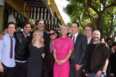 Chuck Lorre, Simon Helberg, Melissa Rausch, Johnny Galecki, Kaley Cuoco, Jim Parsons, Kunal Nayyar