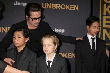 Brad Pitt, Pax Thien Jolie-Pitt, Shiloh Nouvel Jolie-Pitt, Maddox Jolie-Pitt, Jane Pitt, and William Pitt