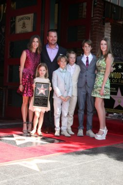 Caroline Fentress O'Donnell, Chris O'Donnell, Lily Anne O'Donnell, Charles McHugh O'Donnell, Finley O'Donnell, Maeve Frances O'Donnell, Christopher O'Donnell Jr